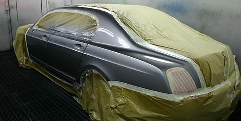 Limousine bekommt neue Autolackierung